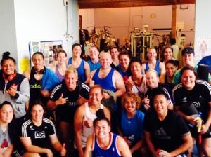 l equipe de rugby feminine de nouvelle Zelande à la salle de Massy
